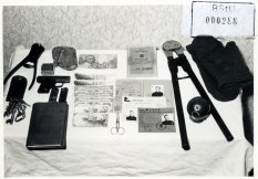 Dieter Wohlfahrt, shot dead at the Berlin Wall: MfS photo of objects allegedly found on Dieter Wohlfahrt [Dec. 9, 1961]