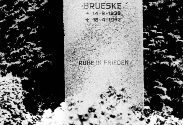 Klaus Brueske, shot dead at the Berlin Wall: MfS photo of the grave at the municipal cemetery in Lübars (photo: ca. 1975)