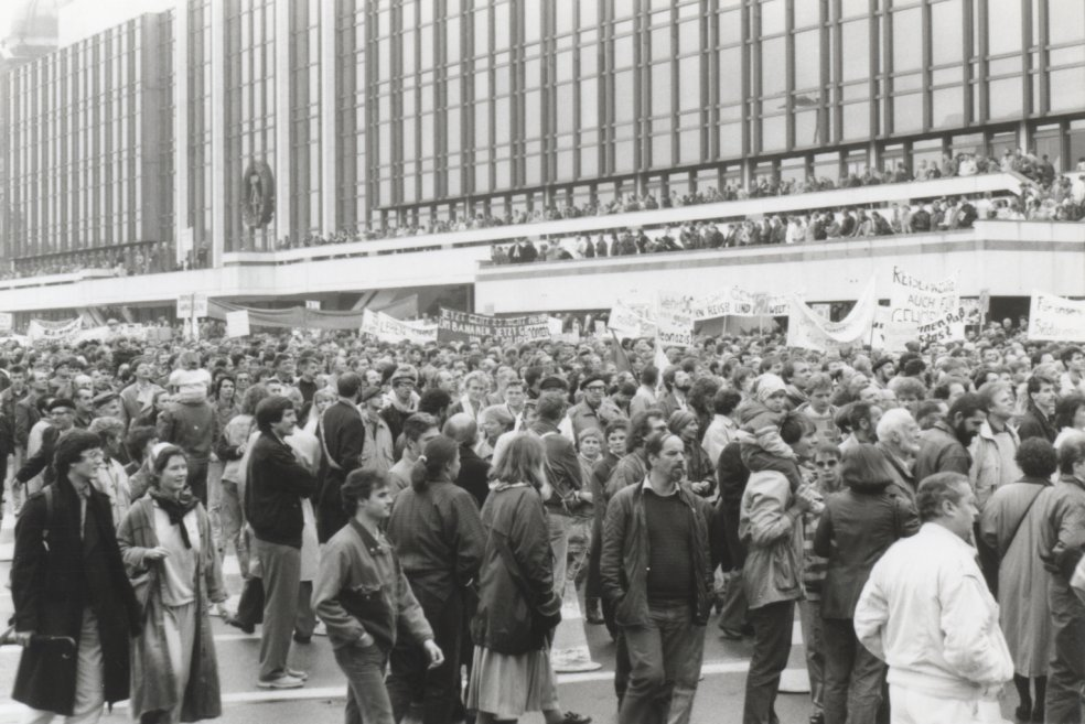 Demonstration in East Berlin, 4 November 1989