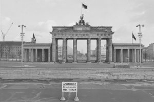 Das Brandenburger Tor in Berlin, März 1962