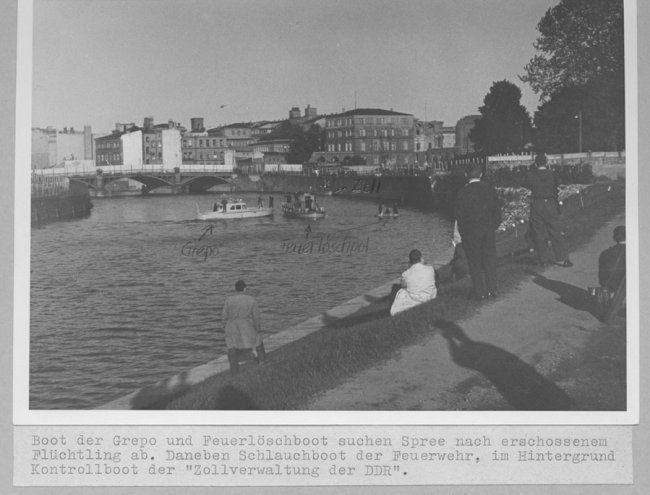Axel Hannemann, shot dead in the Berlin border waters: West Berlin police crime site photo of the East German border police and firemen searching for Axel Hannemann in the Spree near the Reichstag building [June 5, 1962]