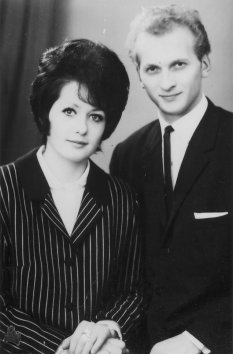 Elke and Dieter Weckeiser, shot dead at the Berlin Wall: Wedding photo (November 1966)