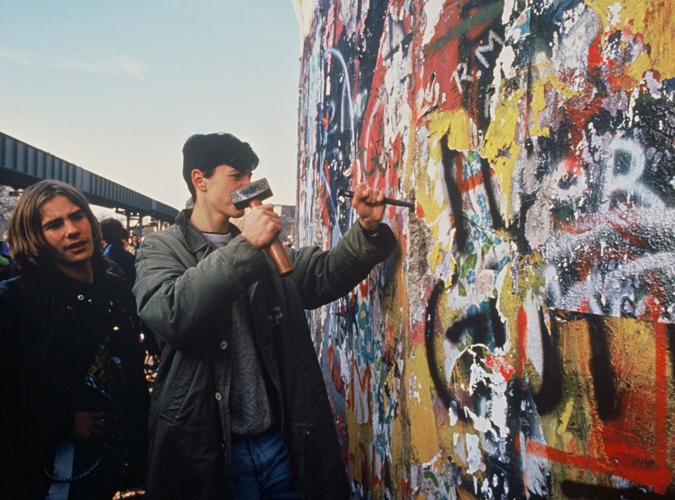 Mauerspechte in Berlin, 12. November 1989
