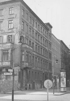 Bernd Lünser, fatally injured at the Berlin Wall: Bernauer Strasse 44, Bernd Lünser fell from the roof to his death, Oct. 5, 1961