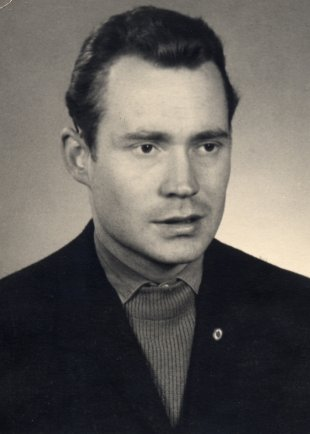 Hans-Peter Hauptmann: born on March 20, 1939, shot on April 24, 1965 at the Berlin Wall and died later from his injuries on May 3, 1965 (date of photo not known)