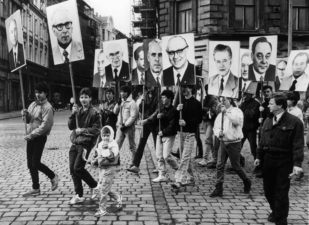 """International Day of Struggle and Celebration for Workers"": May Day demonstration in Görlitz (Photo: akg-images)"