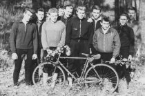Lothar Lehmann, drowned in the Berlin border waters (second from left): Posing with fellow bikers of the sports group BSG Lok Elstal (photo: April 1959)