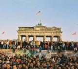 At the Brandenburg Gate, 10. November 1989