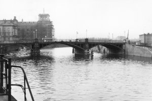 Ingo Krüger, drowned in the Berlin border waters: Found dead at the Marschall Bridge (MfS photo, 1961)
