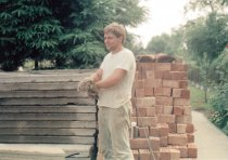 Lutz Schmidt, shot dead at the Berlin Wall: Building his house (photo: 1980s)
