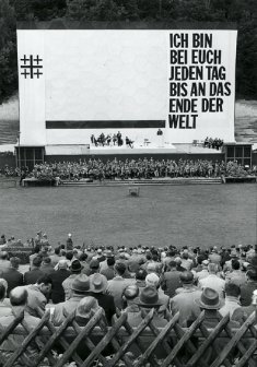 "Mens' hour at the ""Waldbühne"" in West Berlin during the 10th Protestant Church Congress from 19 - 23 July 1961"