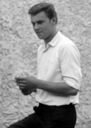 Wernhard Mispelhorn: born on Nov. 10, 1945, was shot at the Berlin Wall on Aug. 18, 1964 while trying to escape and died from his injuries on August 20, 1964 (photo: 1953)