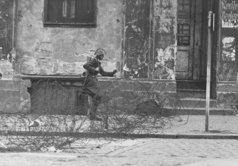"""Leap into freedom"", Bernauer Strasse/Berlin, 15 August 1961: The escape of border policeman Conrad Schumann"