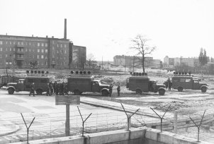 The war of loudspeakers at the Berlin Wall goes on for several years: a loudspeaker vehicle of the GDR border police in action, photo May 1962