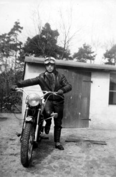 Dieter Berger, shot dead at the Berlin Wall: Hobby motorcyclist (photo: ca. 1960)