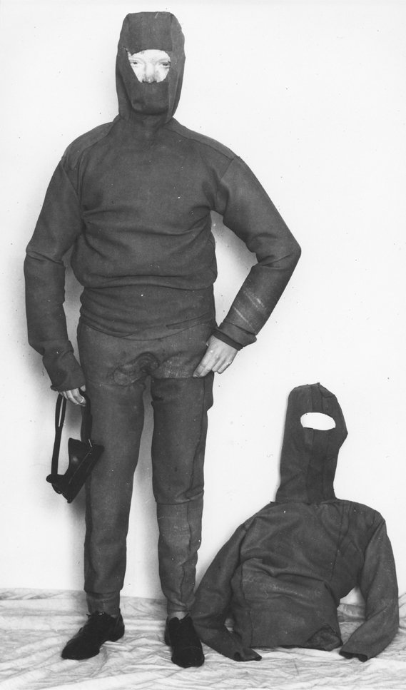 Christian Buttkus, shot dead at the Berlin Wall: MfS photo of the self-made diving suits for the planned escape through the Teltow Canal [March 4, 1965]