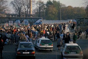 Berlin-Treptow: Opening of the border crossing, 10 November 1989