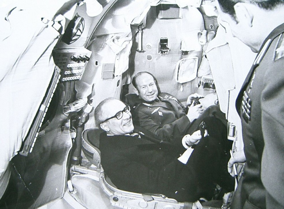 "Erich Honecker visits ""Star City"" (training centre for Soviet cosmonauts), 27 February 1976"