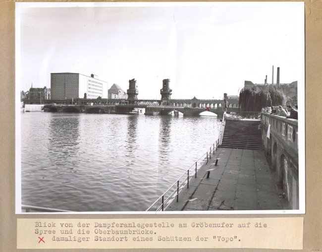 Udo Düllick, drowned in the Berlin border waters after coming under fire: Crime site photo taken by the West Berlin police from the Oberbaum Bridge between Berlin-Friedrichshain and Berlin-Kreuzberg.  The position of one of the gunmen is marked [Oct. 5, 1