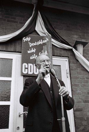 Election campaign event with West German Chancellor Konrad Adenauer, September 1961
