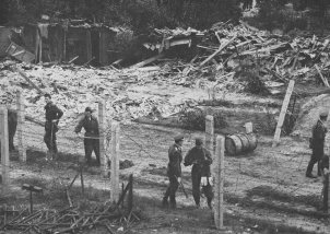 Border police destroy an allotment area to create space to shoot freely (taken Sept./October 1961)