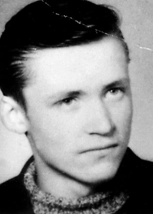 Bernd Lehmann: born on July 31, 1949, drowned in the Berlin border waters on May 28, 1968 while trying to escape (date of photo not known)