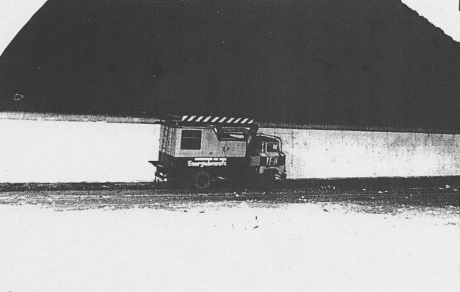 Manfred Mäder, shot dead at the Berlin Wall: MfS photo of escape vehicle at the Berlin Wall in Berlin-Treptow near Karpfenteichstrasse [Nov. 21, 1986]
